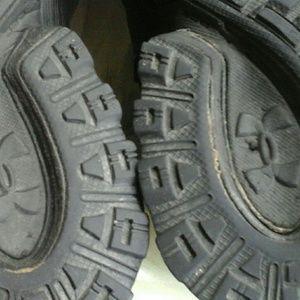 Under Armour Shoes - UNDER ARMOUR  MEN'S BLACK  SNEAKERS SIZE 10 2013